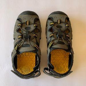 Khombu Boys Kyle Water Sandals